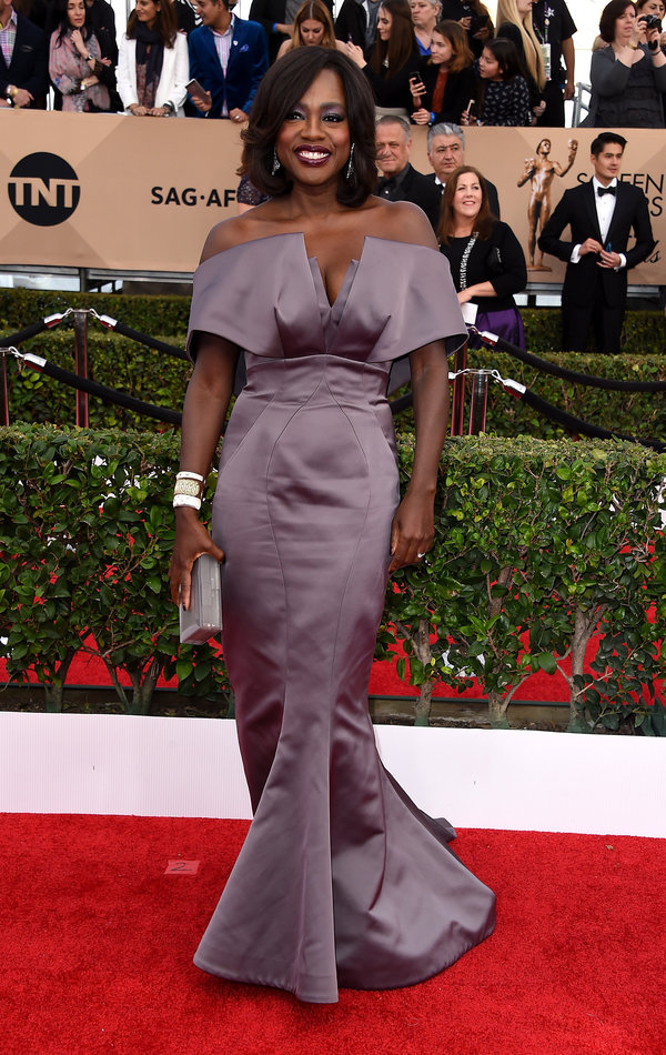 Granitz, Steve. Viola Davis in Zac Posen. 2016. Web. 30 Jan. 2016. http://www.huffingtonpost.com/entry/sag-awards-red-carpet_us_56a145fae4b0404eb8f0c963.