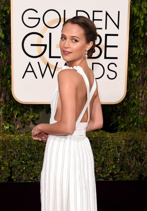 Alicia Vikander in Louis Vuitton. 2016. Web. 11 Jan. 2016. http://celebmafia.com/alicia-vikander-2016-golden-globe-awards-beverly-hills-456813/.