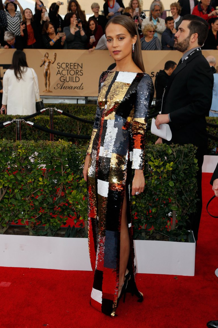Getty. Alicia Vikander in Louis Vuitton. 2016. Web. 30 Jan. 2016. http://www.vogue.com/slideshow/13393560/sag-awards-2016-fashion-red-carpet/#7.
