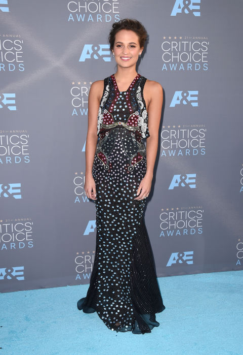AP. Alicia Vikander in Mary Katrantzou. 2016. Web. 18 Jan. 2016. http://www.harpersbazaar.com/celebrity/red-carpet-dresses/g6732/the-best-dressed-at-the-critics-choice-awards/?slide=3.