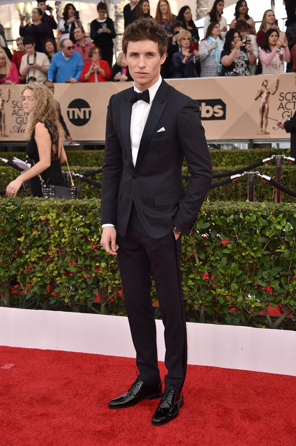 REX. Eddie Redmayne in Dior Homme. 2016. Web. 31 Jan. 2016. http://hollywoodlife.com/pics/mens-fashion-sag-awards-2016-red-carpet-photos/.