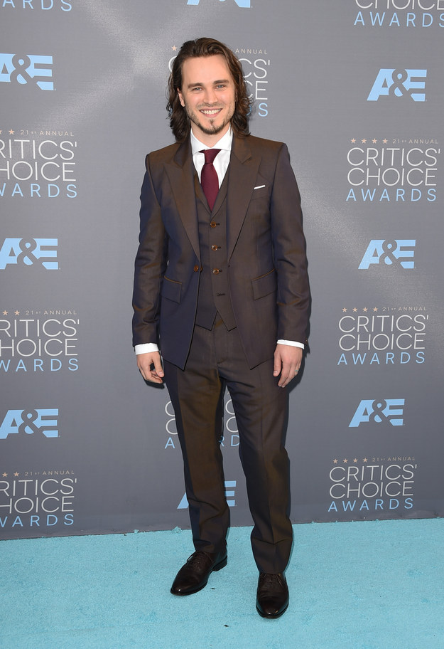 Merritt, Jason. Jonathan Jackson. 2016. Web. 18 Jan. 2016. http://www.buzzfeed.com/whitneyjefferson/style-on-the-2016-critics-choice-awards-red-carpet#.moMOraJQ17.