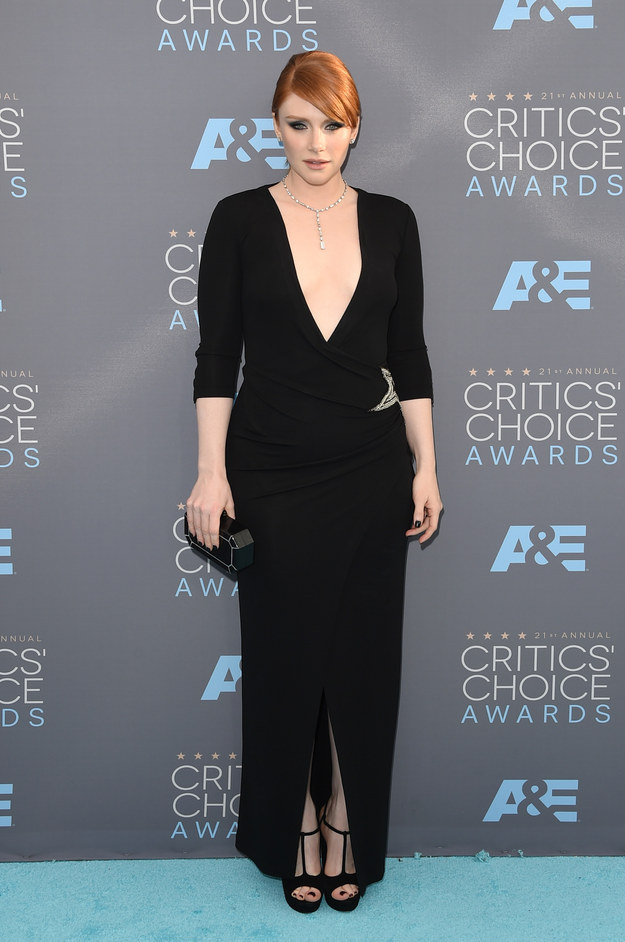 Merritt, Jason. Bryce Dallas Howard in Balmain. 2016. Web. 18 Jan. 2016. http://www.buzzfeed.com/whitneyjefferson/style-on-the-2016-critics-choice-awards-red-carpet#.moMOraJQ17.