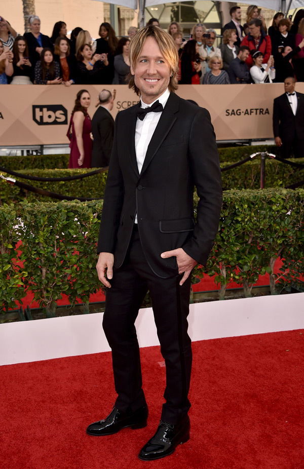 REX. Keith Urban. 2016. Web. 31 Jan. 2016. http://hollywoodlife.com/pics/mens-fashion-sag-awards-2016-red-carpet-photos/#!12/keith-urban-sag-awards-2016/.