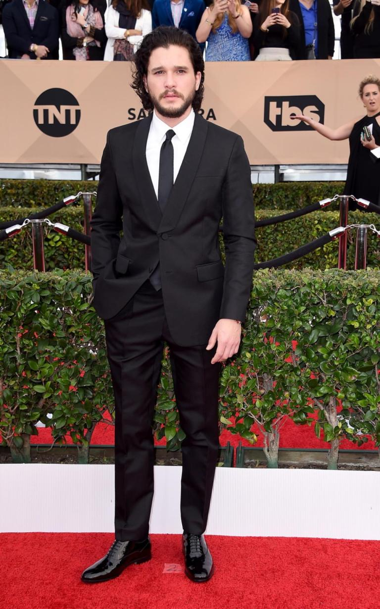 Granitz, Steve. Kit Harington in Valentino. 2016. Web. 31 Jan. 2016. http://www.nydailynews.com/entertainment/sag-awards-2016-best-worst-red-carpet-gallery-1.2514995?pmSlide=1.2515018.