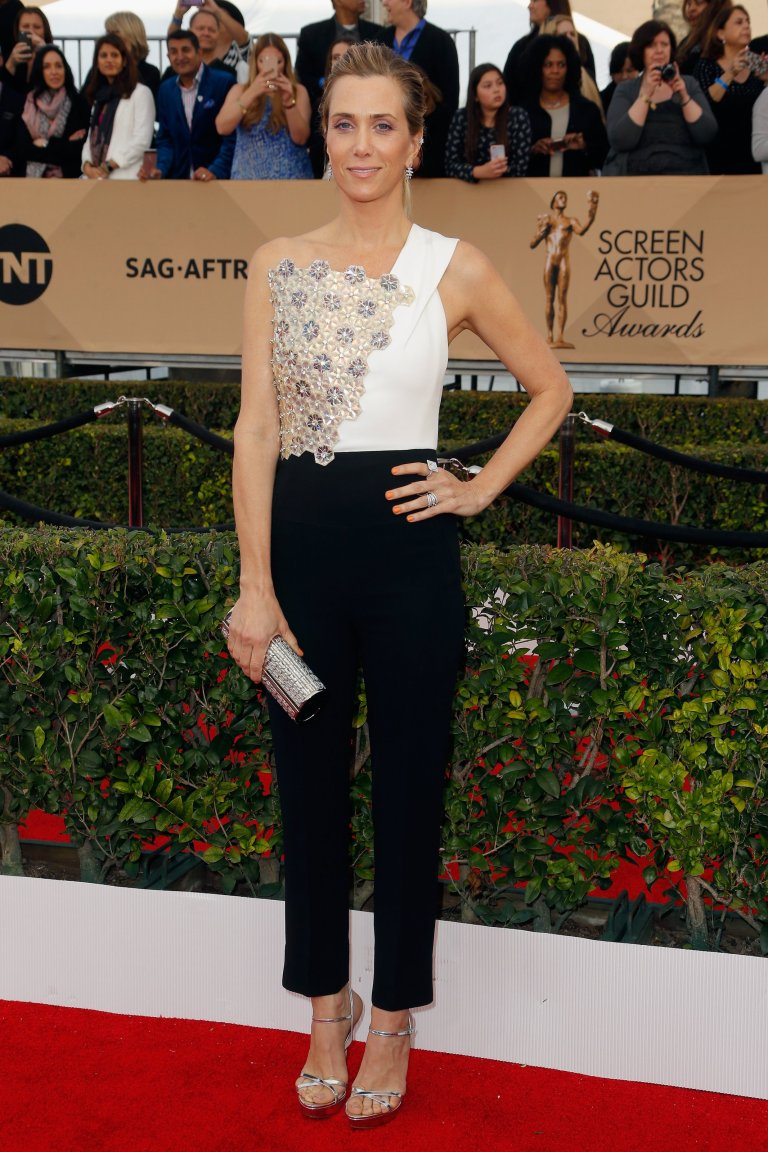 Getty. Kristen Wiig in Roland Mouret. 2016. Web. 30 Jan. 2016. http://www.vogue.com/slideshow/13393560/sag-awards-2016-fashion-red-carpet/#10.