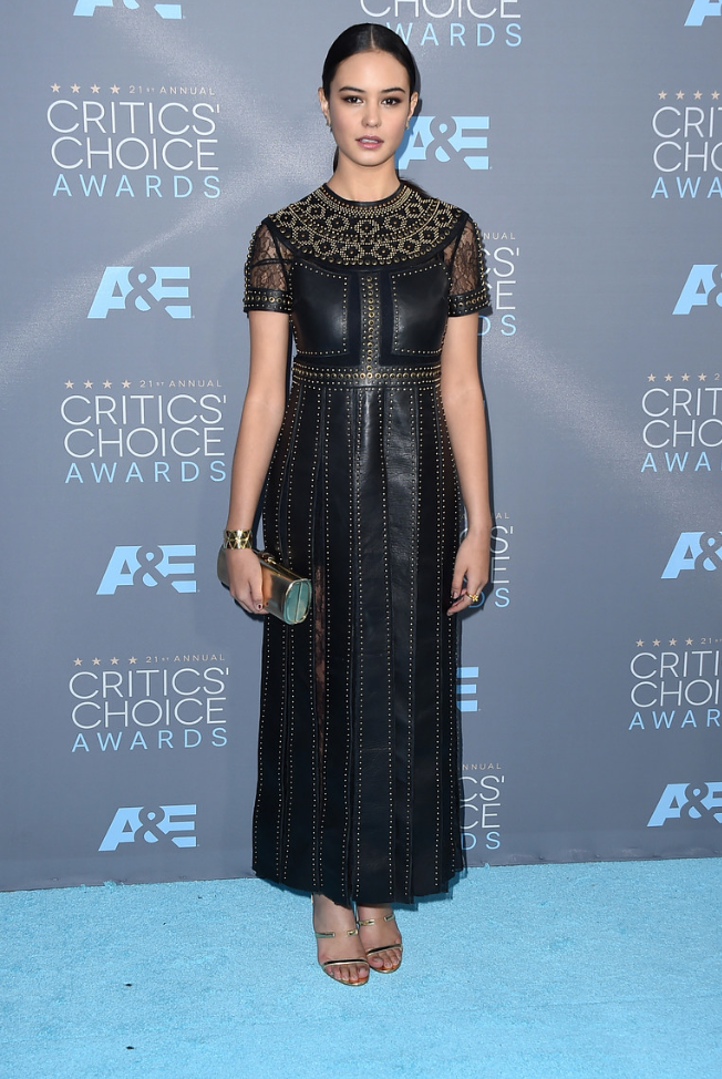 Strauss, Jordan. Courtney Eaton. Web. 18 Jan. 2016. http://photos.dailynews.com/2016/01/photos-2016-critics-choice-awards-red-carpet-arrivals/#41.