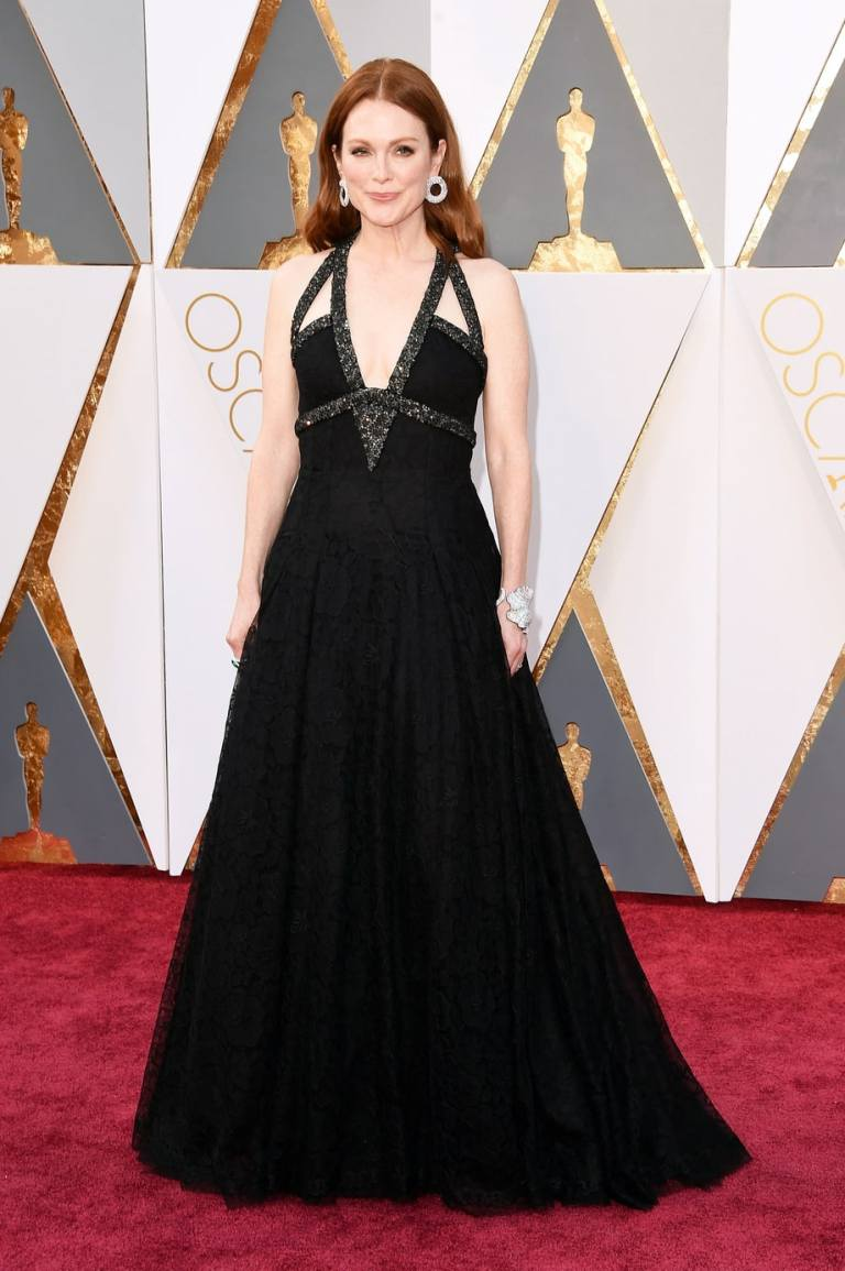 Merritt, Jason. Julianne Moore in Chanel Haute Couture. 2016. Web. 28 Feb. 2016. http://www.usmagazine.com/celebrity-style/pictures/oscars-2016-red-carpet-fashion-what-the-stars-wore-w165056/julianne-moore-w165575.