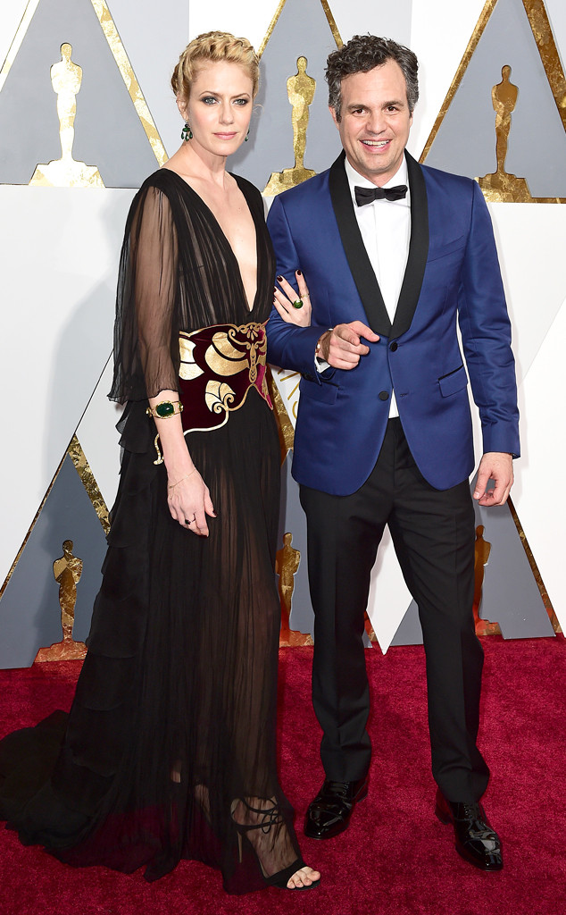 PA Images/Sipa USA. Mark Ruffalo in Valentino and Sunrise Coigney. 2016. Web. 28 Feb. 2016. http://www.eonline.com/photos/18325/couples-at-the-2016-oscars/684227.