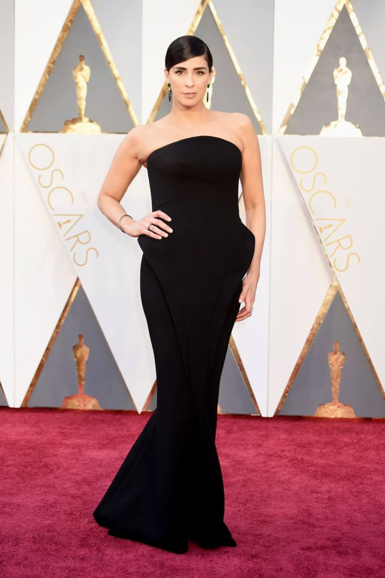Kravitz, Jeff. Sarah Silverman in Zac Posen. 2016. Web. 28 Feb. 2016. http://www.usmagazine.com/celebrity-style/pictures/oscars-2016-red-carpet-fashion-what-the-stars-wore-w165056/sarah-silverman-w165579.