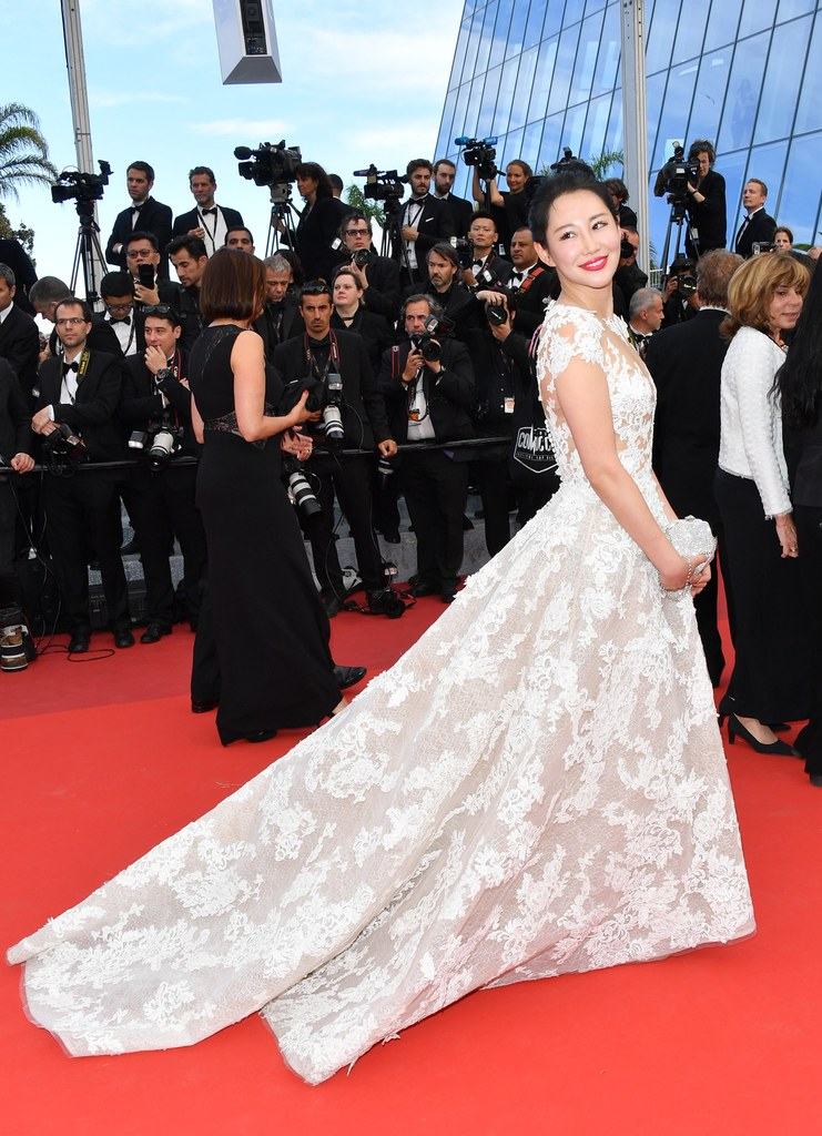 Getty. Zuo An Xiao in Zuhair Murad. 2016. Web. 23 May 2016. http://www.glamour.com/gallery/every-gorgeous-dress-from-the-cannes-film-festival#29.