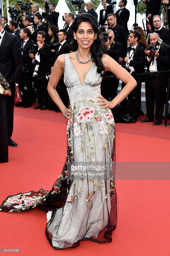 Le Segretain, Pascal. Fagun Thakrar in Claire Pettibone. Web. 25 May 2016. http://www.gettyimages.com/pictures/fagun-thakrar-attends-the-money-monster-premiere-during-the-news-photo-531015768.