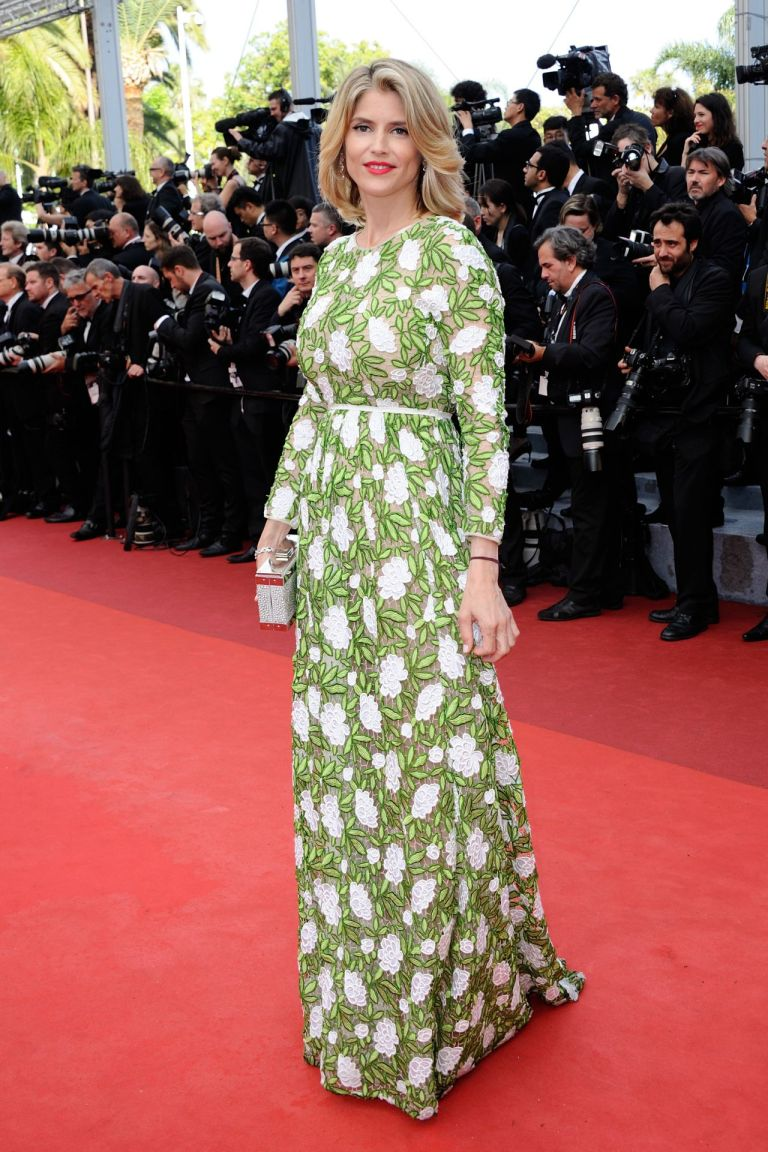 Alice Taglioni in Giambattista Valli. 2016. Web. 16 May 2016. http://celebmafia.com/alice-taglioni-opening-ceremony-palais-des-festivals-cannes-france-5112016-531371/.