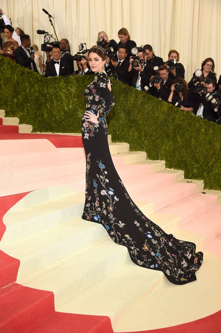 Getty. Bee Shaffer in Alexander McQueen. Web. 4 May 2016. http://www.vogue.com/slideshow/13429562/met-gala-2016-red-carpet-celebrity-fashion-live/#153.