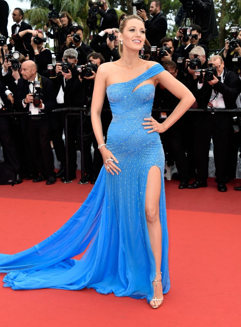 Blake Lively in Atelier Versace. 2016. Web. 21 May 2016. http://celebmafia.com/blake-lively-bfg-premiere-cannes-film-festival-cannes-514-2016-532611/.