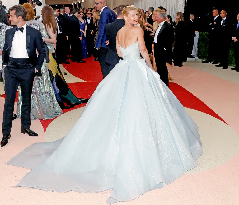 Hill, Taylor. Claire Danes in Zac Posen. 2016. Web. 4 May 2016. http://www.theknotnews.com/claire-danes-cinderella-light-up-met-gala-dress-8238.