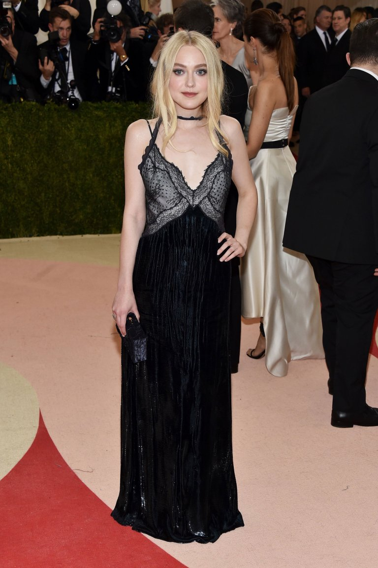 Getty. Dakota Fanning in Nina Ricci. 2016. Web. 4 May 2016. http://www.vogue.com/slideshow/13429562/met-gala-2016-red-carpet-celebrity-fashion-live/#68.