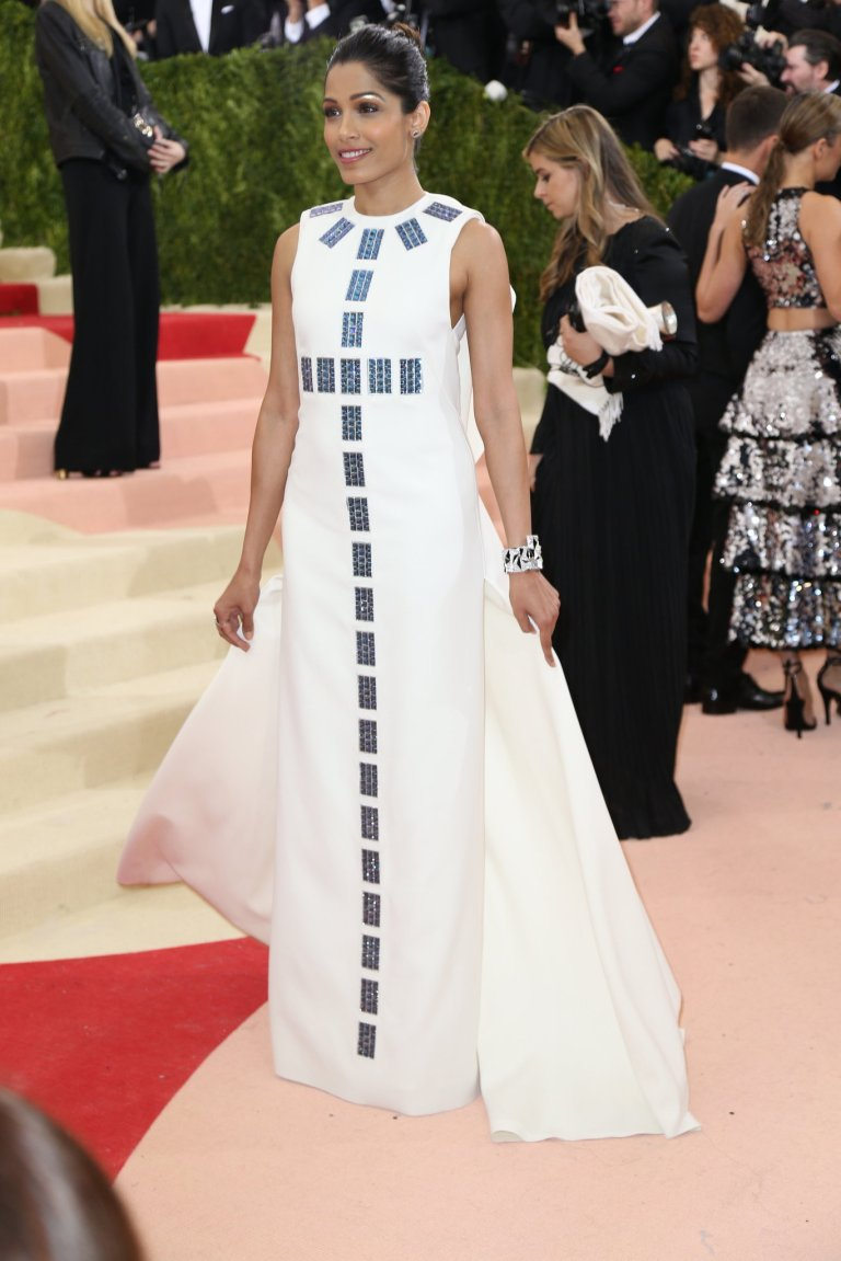 Winter, Damon. Freida Pinto inTory Burch. 2016. Web. 4 May 2016. http://www.nytimes.com/slideshow/2016/05/02/fashion/met-gala-red-carpet-dresses/s/damon-met-gala-408-freida-pinto.html?_r=0.