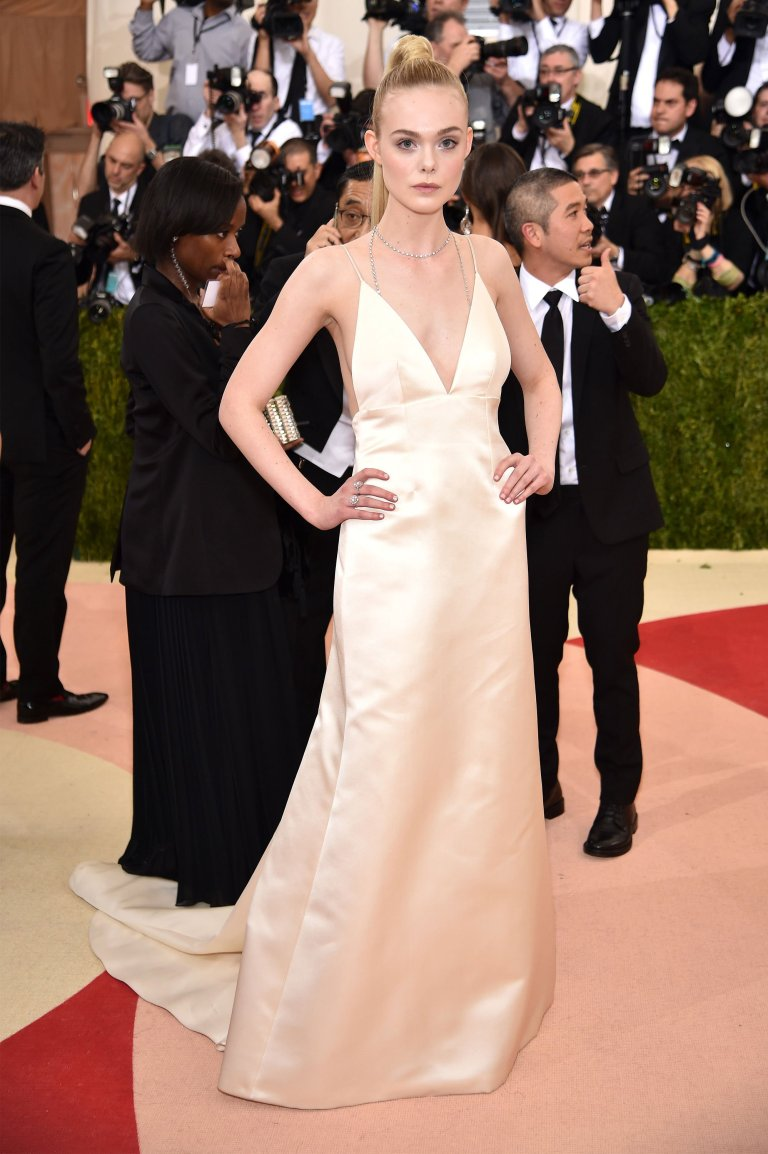 Getty. Elle Fanning in Thakoon. 2016. Web. 4 May 2016. http://www.vogue.com/slideshow/13429562/met-gala-2016-red-carpet-celebrity-fashion-live/#110.
