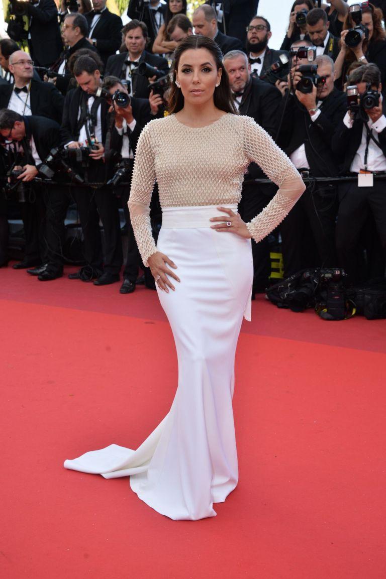 Eva Longoria in Pamella Roland. 2016. Web. 21 May 2016. http://celebmafia.com/eva-longoria-cafe-society-premiere-opening-night-gala-2016-cannes-film-festival-531132/.