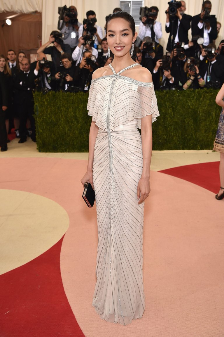 Getty. Fei Fei Sun in Chanel. Web. 4 May 2016. http://www.vogue.com/slideshow/13429562/met-gala-2016-red-carpet-celebrity-fashion-live/#142.