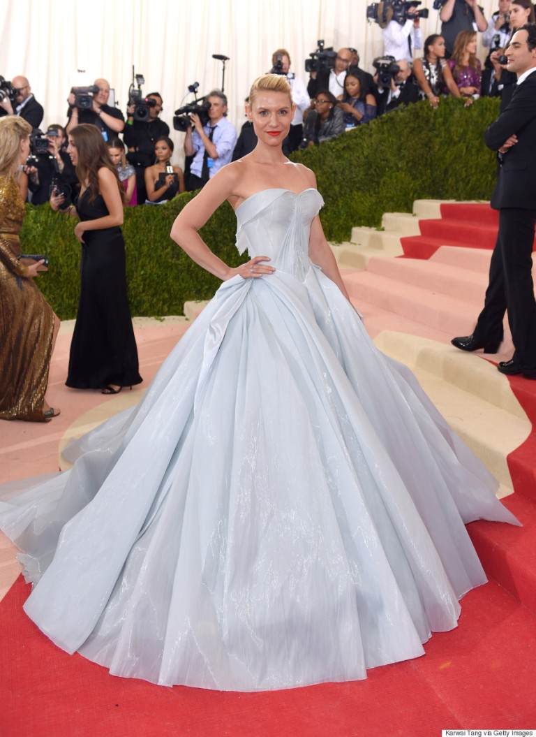Tang, Karwai. Claire Danes in Zac Posen. 2016. Web. 4 May 2016. http://www.huffingtonpost.ca/2016/05/03/claire-danes-met-gala-2016_n_9829132.html.