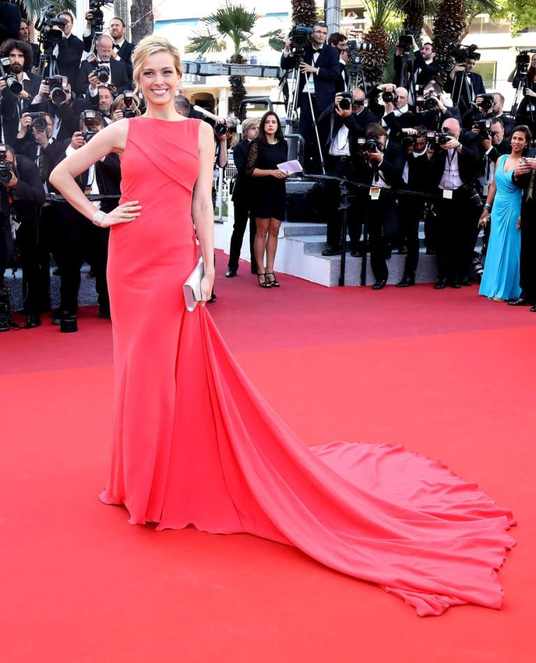 Marsland, Mike. Petra Nemcova in Georges Chakra. 2016. Web. 17 May 2016. http://www.usmagazine.com/celebrity-style/pictures/cannes-film-festival-2016-red-carpet-fashion-what-the-stars-wore-w206058/petra-nemcova-w206621.