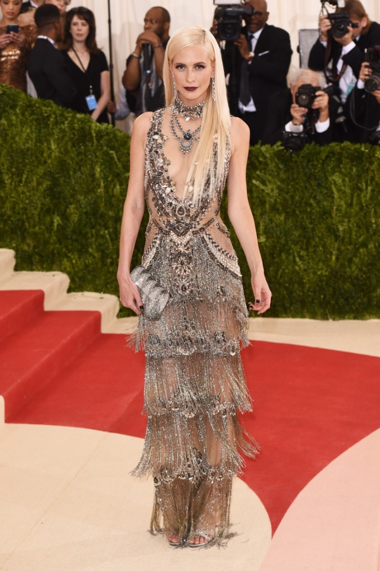 Poppy Delevingne in Marchesa. Web. 4 May 2016. http://www.fashionstylemag.com/2016/celebrity/met-gala-red-carpet-arrivals/.