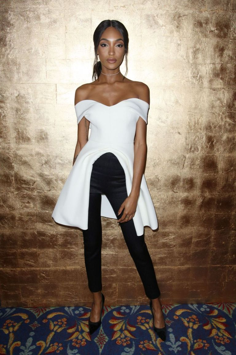 REX. Jourdan Dunn in Brandon Maxwell. 2016. Web. 18 Sept. 2016. http://www.vogue.co.uk/gallery/new-york-fashion-week-celebrities-front-row-parties-ss17.