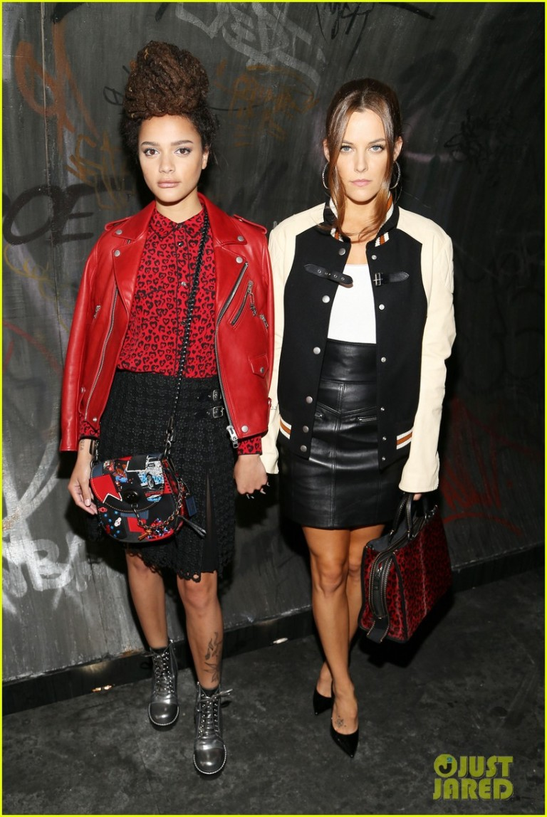 Getty. Riley Keough & Sasha Lane. 2016. Web. 17 Sept. 2016. http://www.justjared.com/photo-gallery/3758765/coach-new-york-fashion-week-show-11/.
