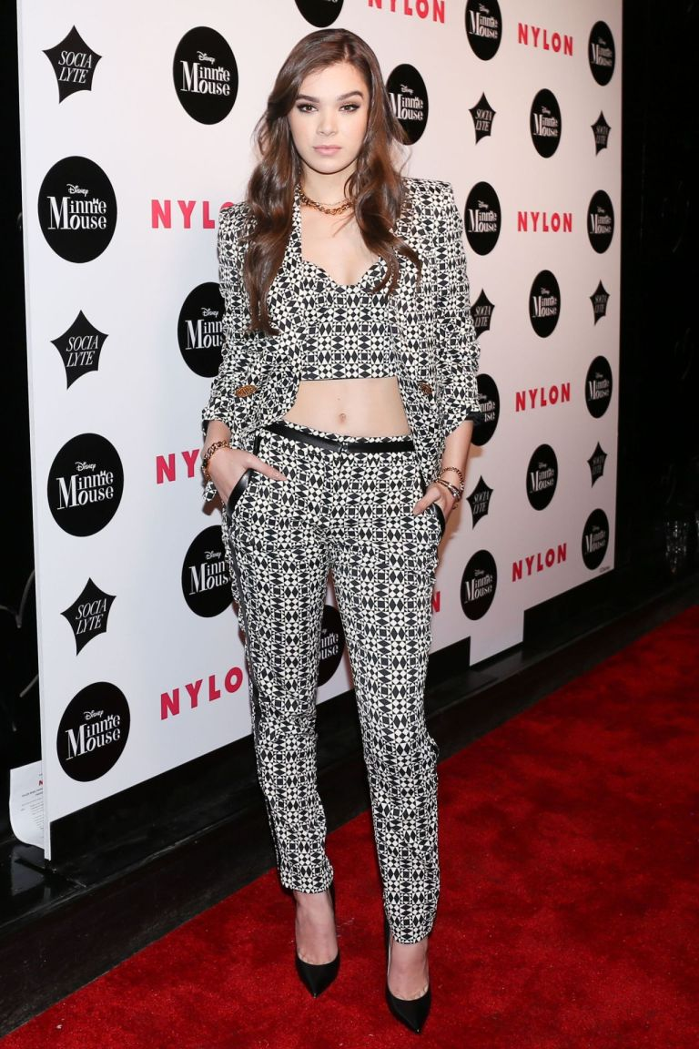 Hailee Steinfeld. 2016. Web. 14 Sept. 2016. http://celebmafia.com/hailee-steinfeld-nylon-rebel-fashion-party-new-york-city-982016-598532/.